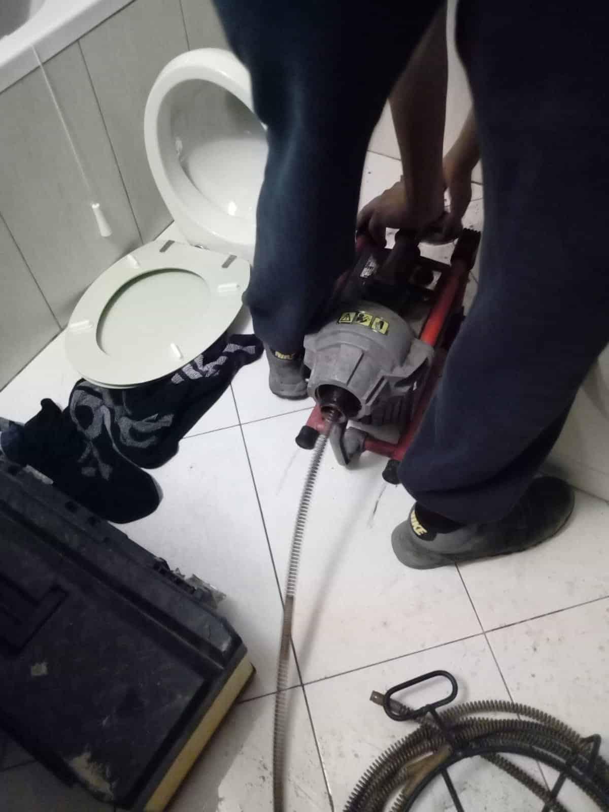 Otpušavanje wc šolje